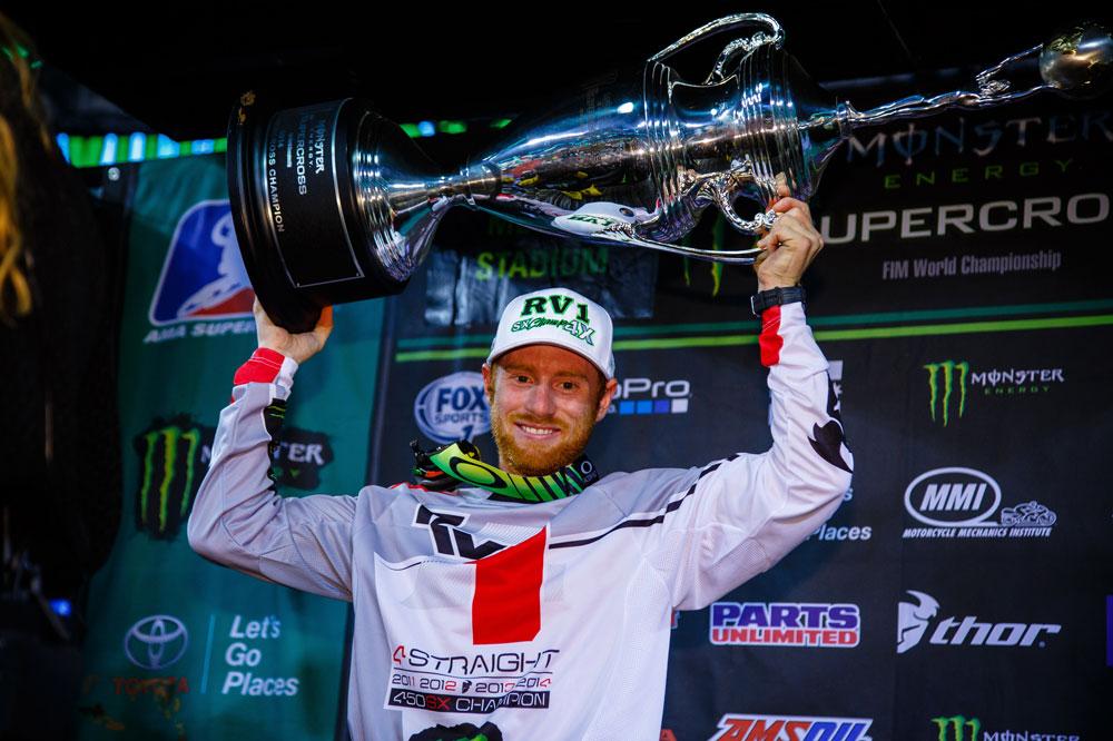 Villopoto gana su cuarto título en el AMA Supercross.