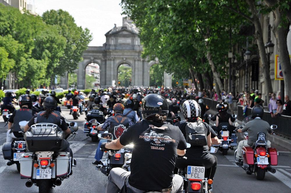 Más de 1.600 Harley por las calles de Madrid
