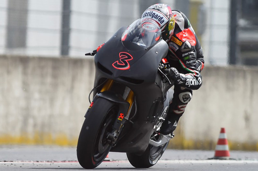 Max Biaggi se sube a la Aprilia de MotoGP