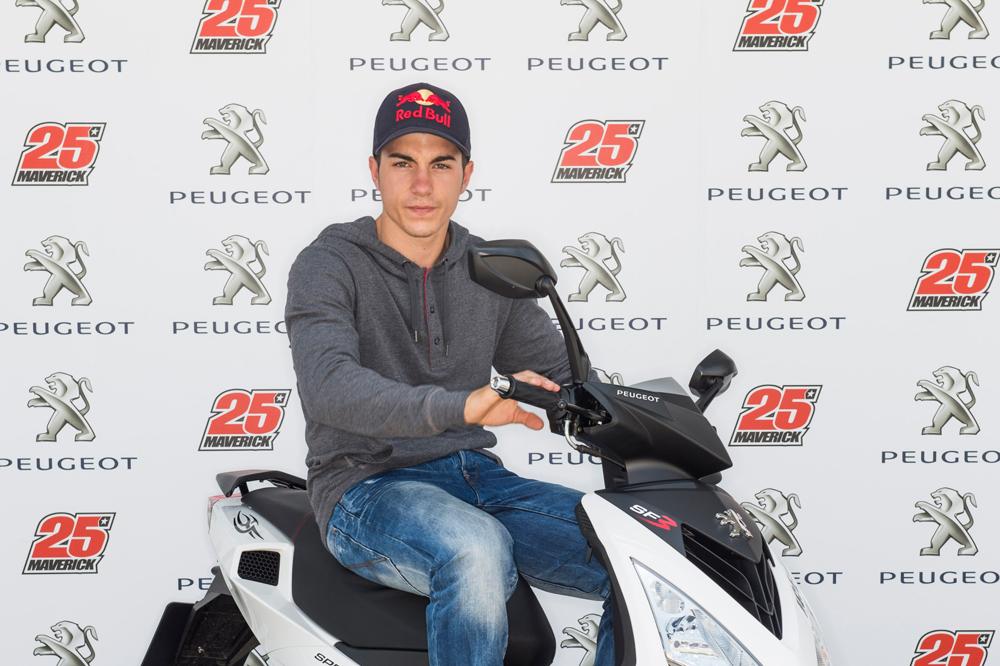 Maverick Viñales, nuevo embajador de Peugeot Scooters