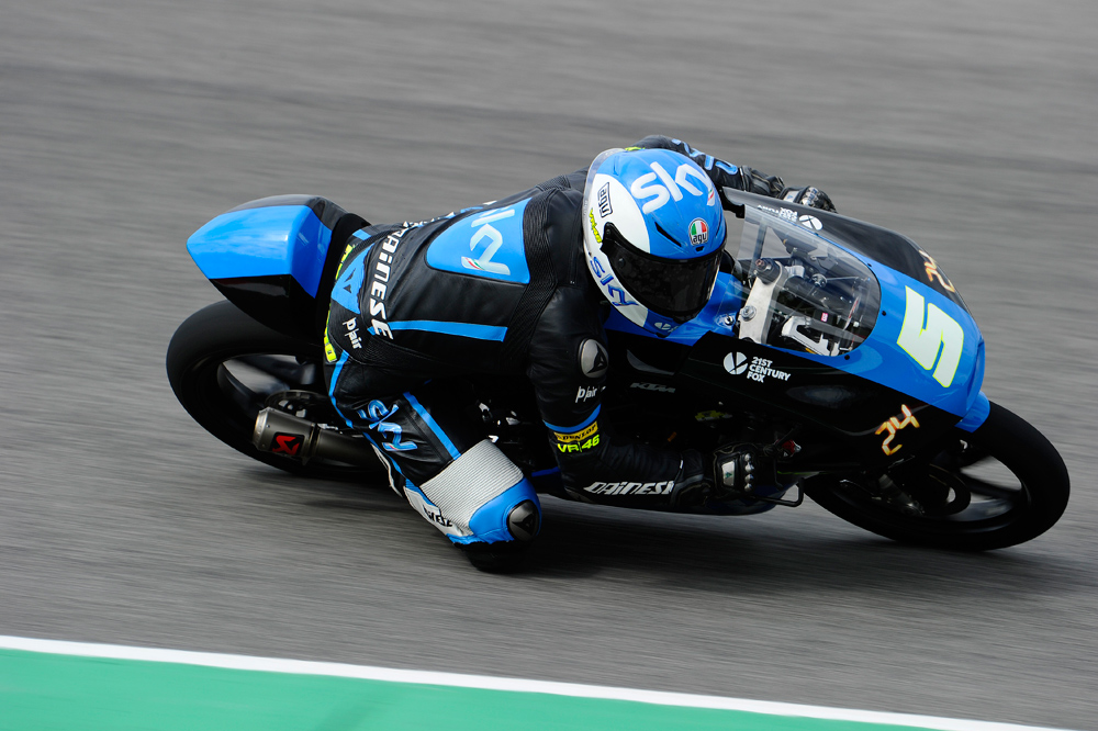 Romano Fenati comienza mandando en Moto3