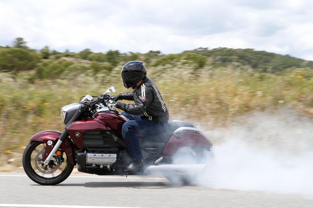 Motociclismo 2.415: Contenidos de la revista