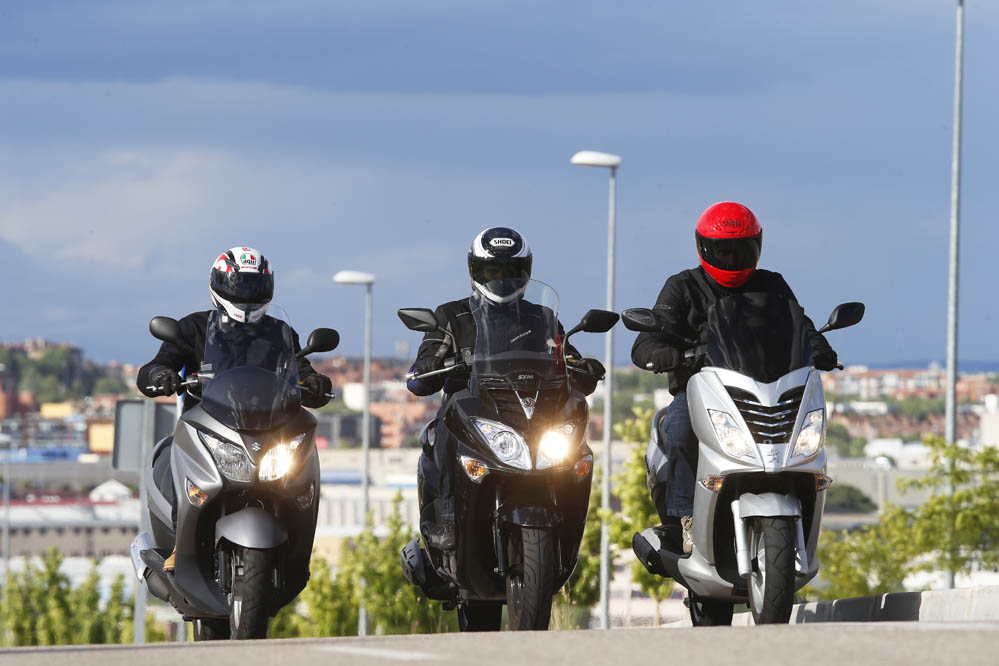 Comparativa scooter 200: Peugeot, SYM y Suzuki