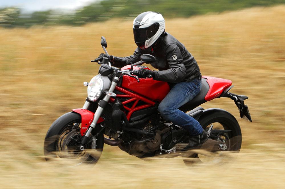 Ducati Monster 821. Prueba