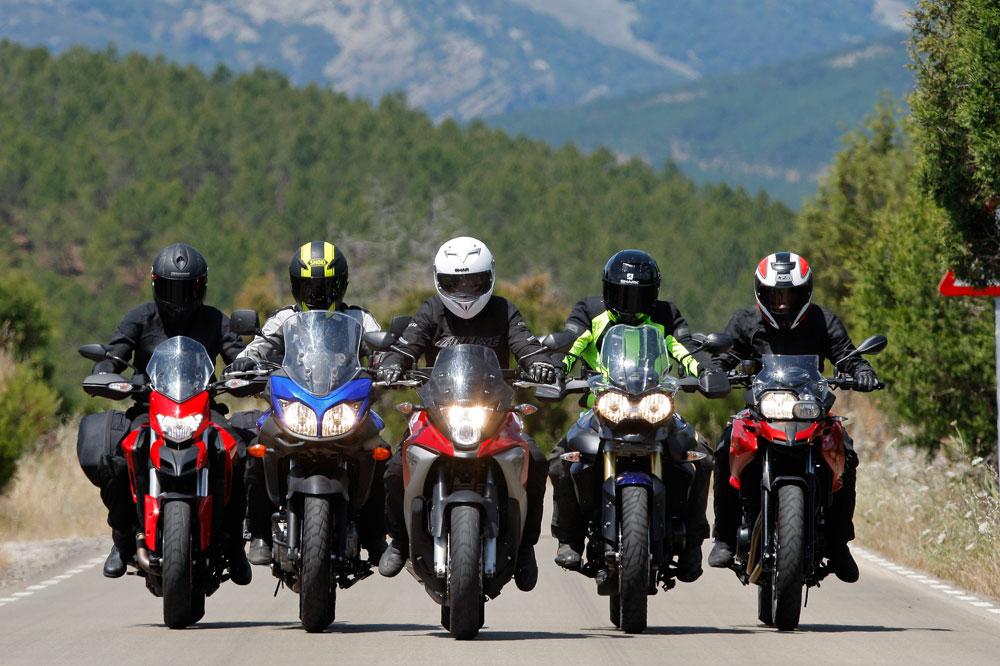 Los usuarios de motoVitae prefieren montar en moto en grupo
