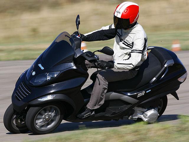 Los scooter híbridos de Piaggio