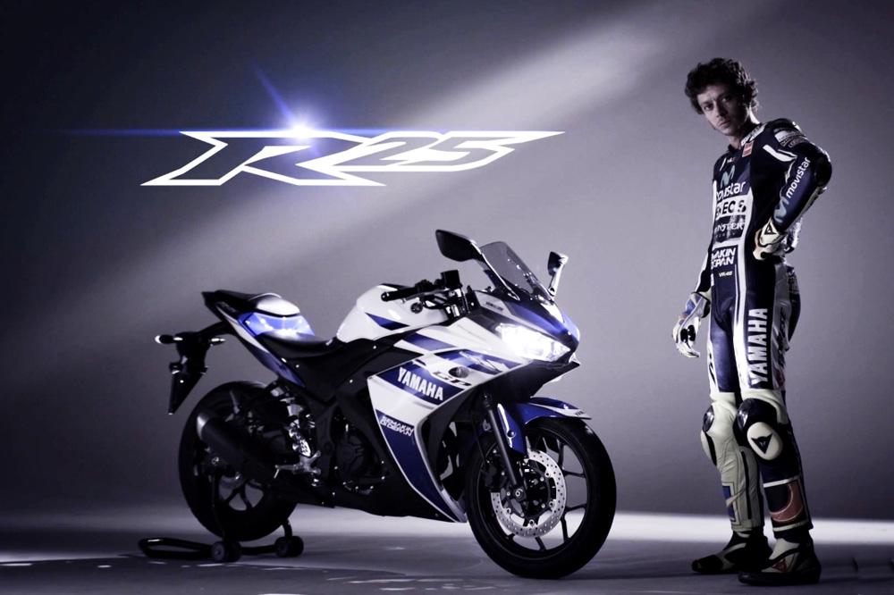 Valentino Rossi protagoniza el nuevo vídeo promocional de la Yamaha R25