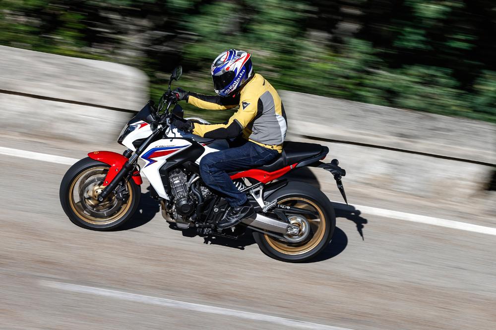 Motociclismo 2.421: Contenidos de la revista