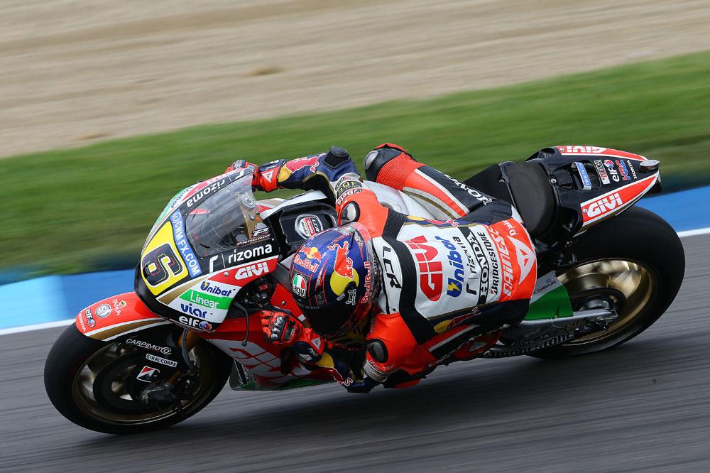 Stefan Bradl controla los terceros libres de MotoGP