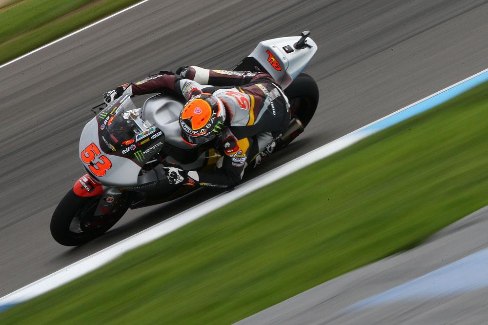 Tito Rabat lidera el FP1 de Moto2