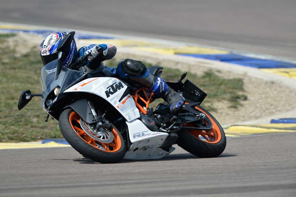 Motociclismo 2426: Contenidos de la revista