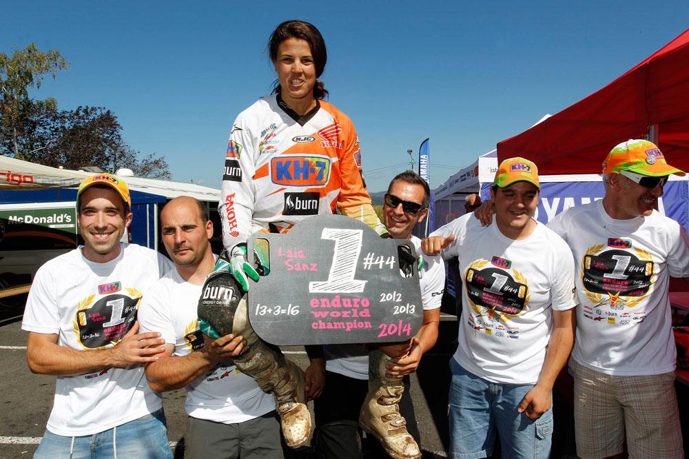 Laia Sanz conquista su tercer título de Enduro