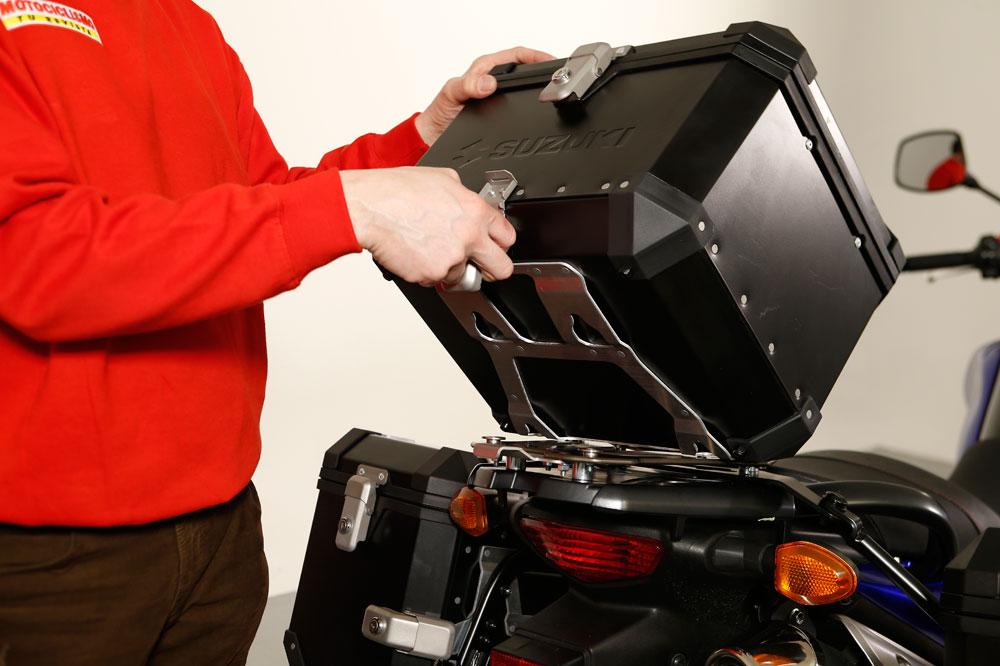 El baúl trasero es el accesorio de moto preferido