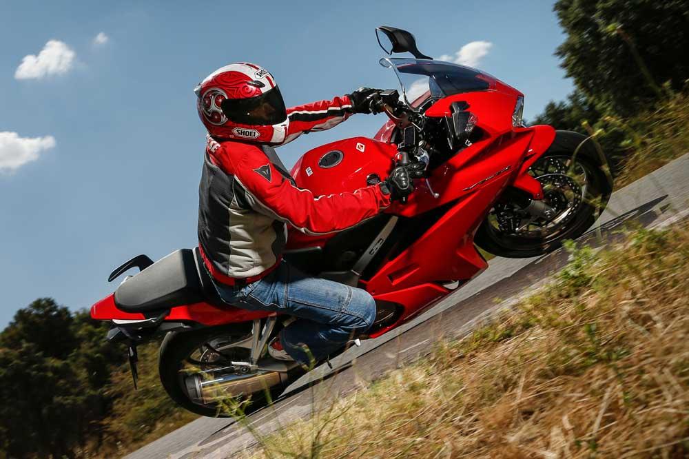 Lo que pagan los motoristas por su seguro de moto