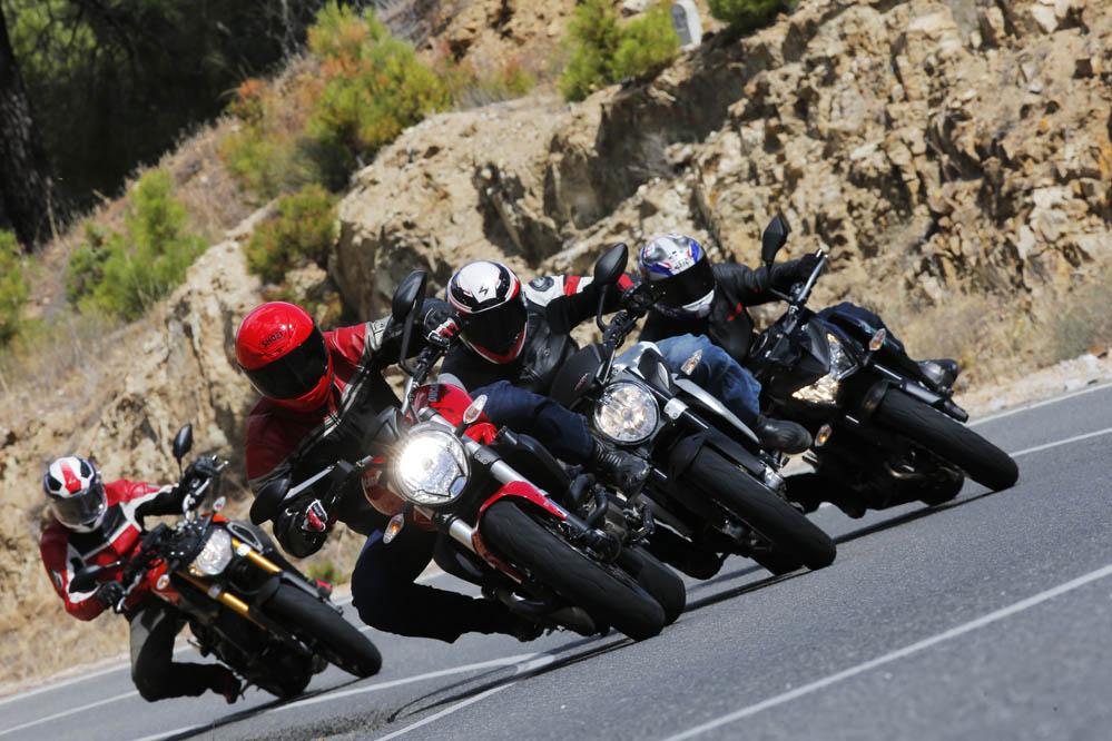 Comparativa Naked medias: Ducati Monster 821, Kawasaki Z800e, MV Agusta Brutale 800 y Yamaha MT-09