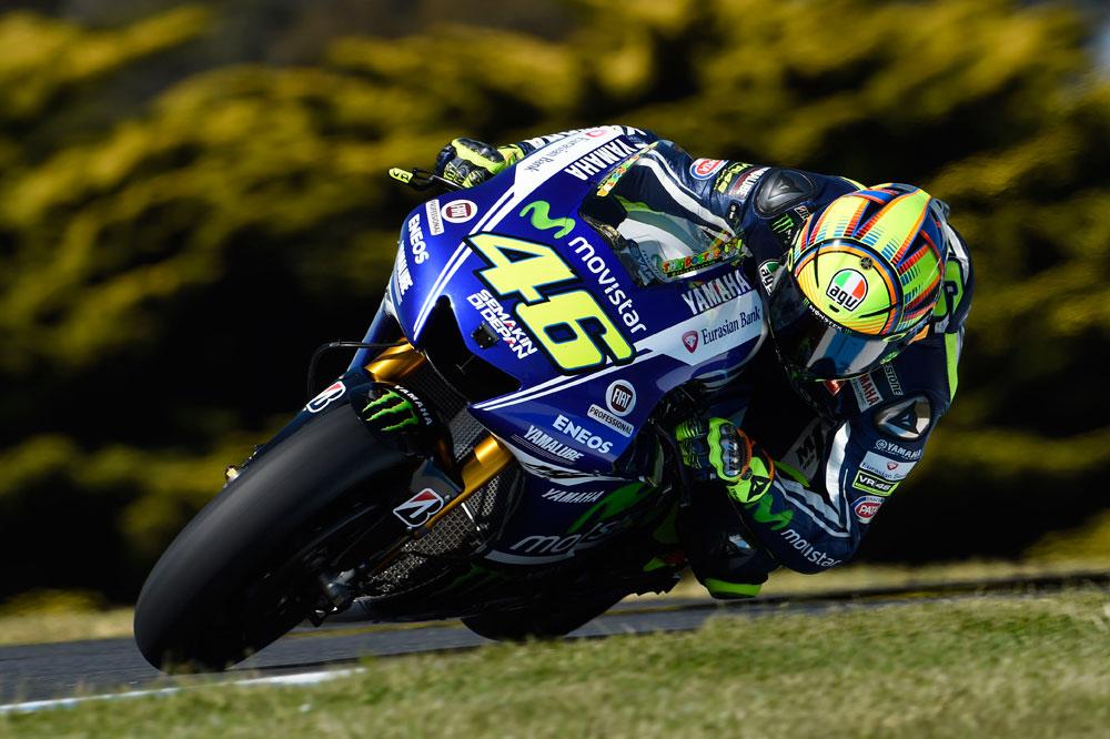 Márquez sirve en bandeja el triunfo a Rossi