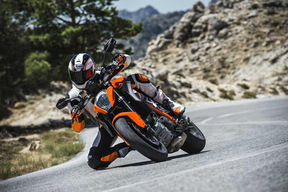 Vota online por la Moto del Año 2016 y gana una KTM 1290 Super Duke R