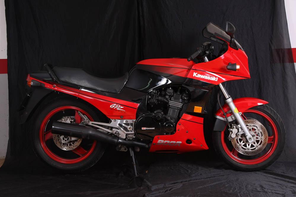 Moto clásica: Kawasaki GPZ900R