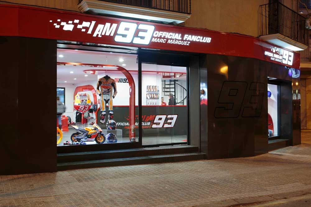 Márquez inaugura en Cervera la nueva sede de su club de fans