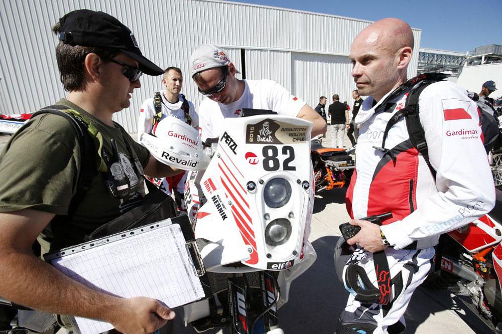 Muere en el Dakar el piloto polaco Michal Hernik