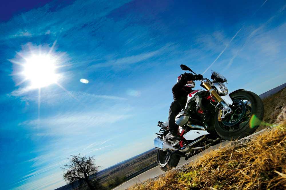 Motociclismo 2446: Contenidos de la revista