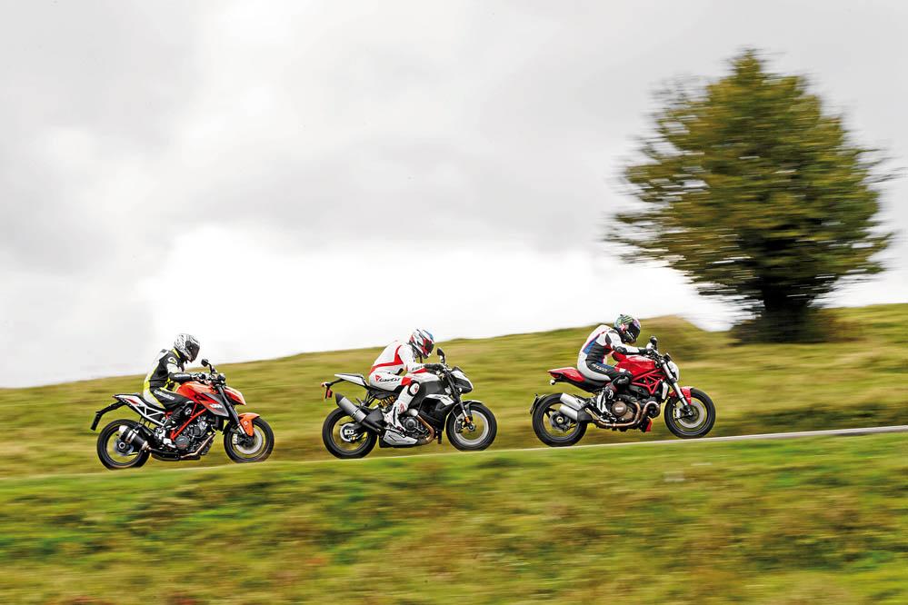 Comparativa Supernaked bicilíndricas: KTM, Ducati, EBR