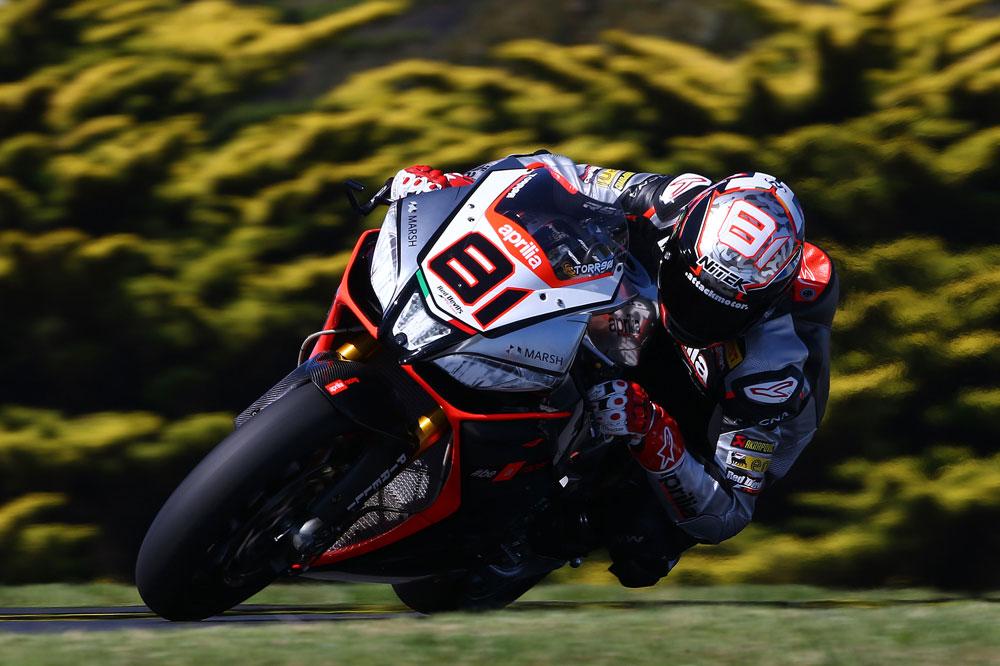 Alex Lowes y Jordi Torres, los más rápidos en Australia