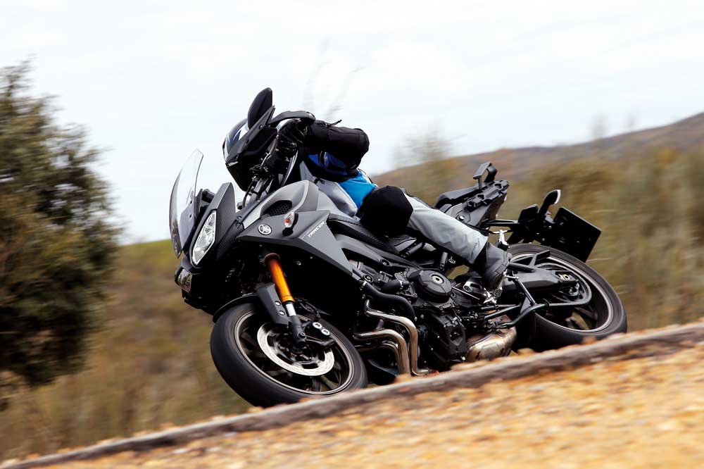 Motociclismo 2449: Contenidos de la revista