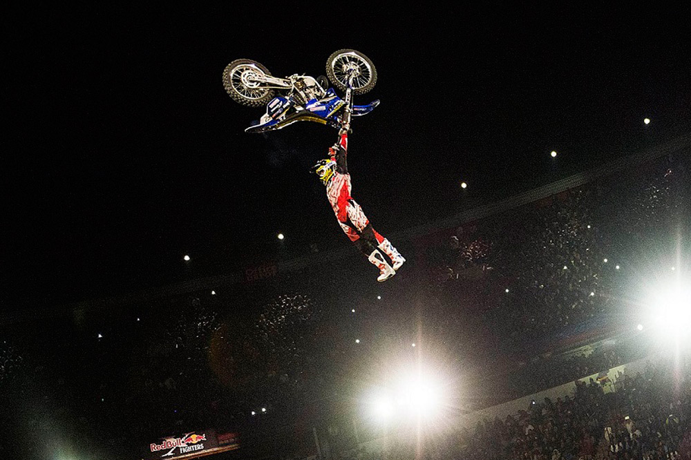 Clinton Moore gana la primera prueba del X-Fighters 2015