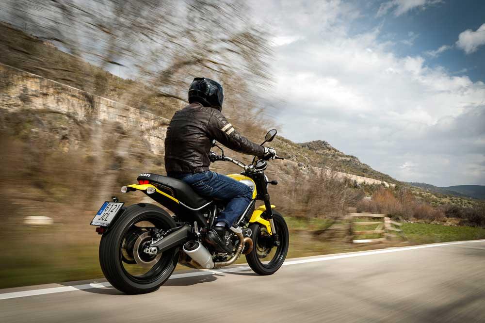 Motociclismo 2451: Contenidos de la revista
