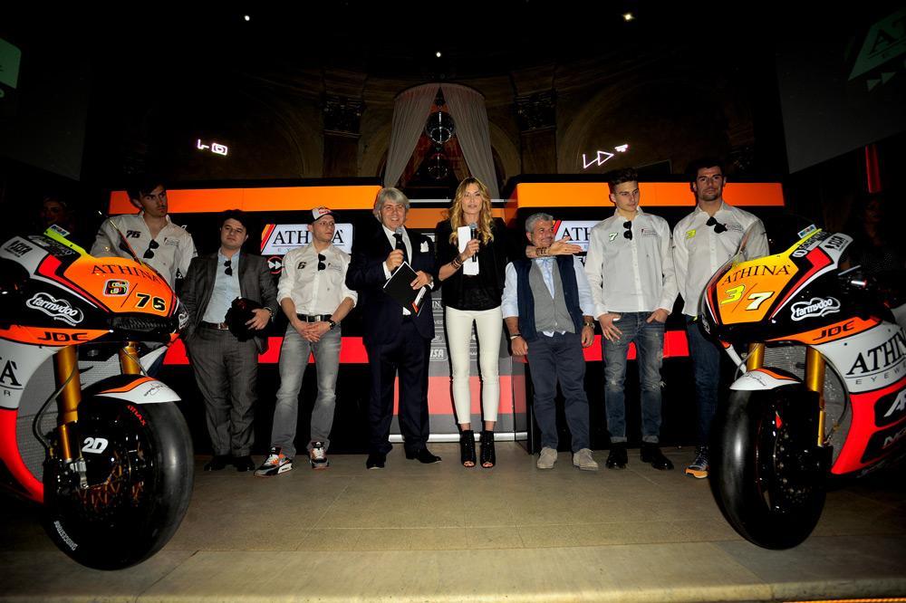 Presentación del equipo Forward Racing 2015