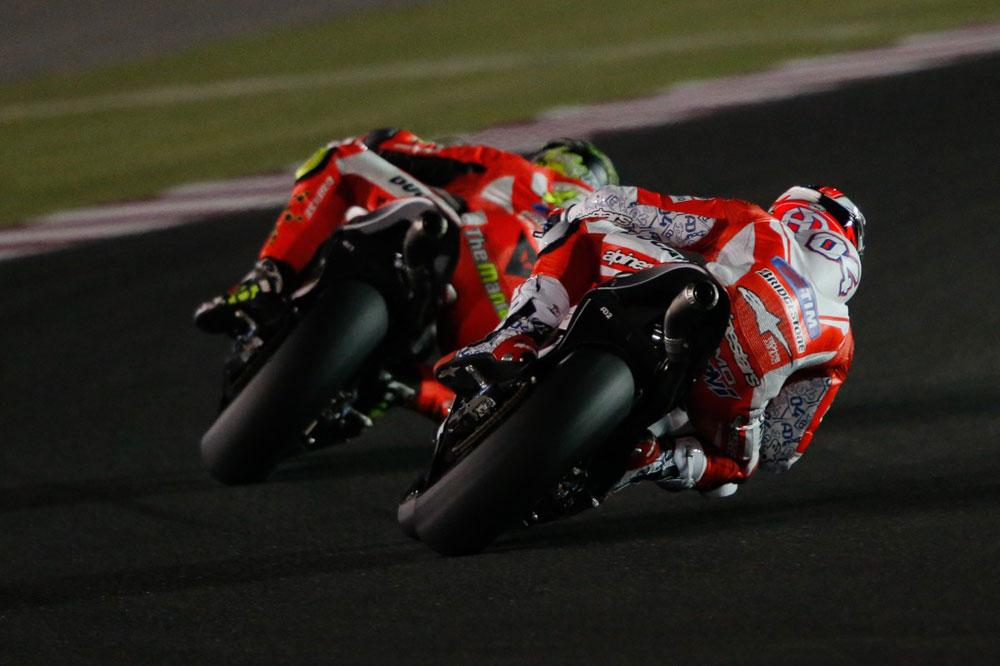 Las Ducati lideran la primera jornada de test en Qatar