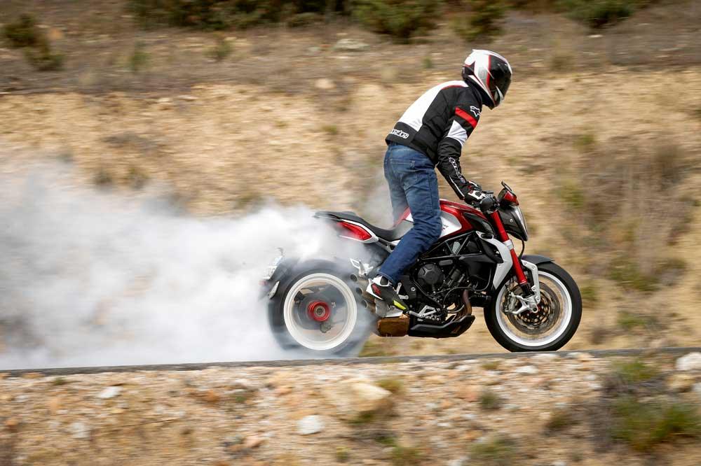 Motociclismo 2.453: Contenidos de la revista