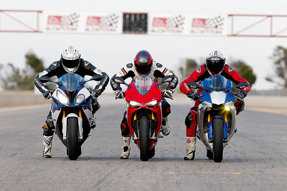 Comparativa Superbike: BMW S 1000 RR, Ducati 1299 Panigale S y Yamaha YZF-R1