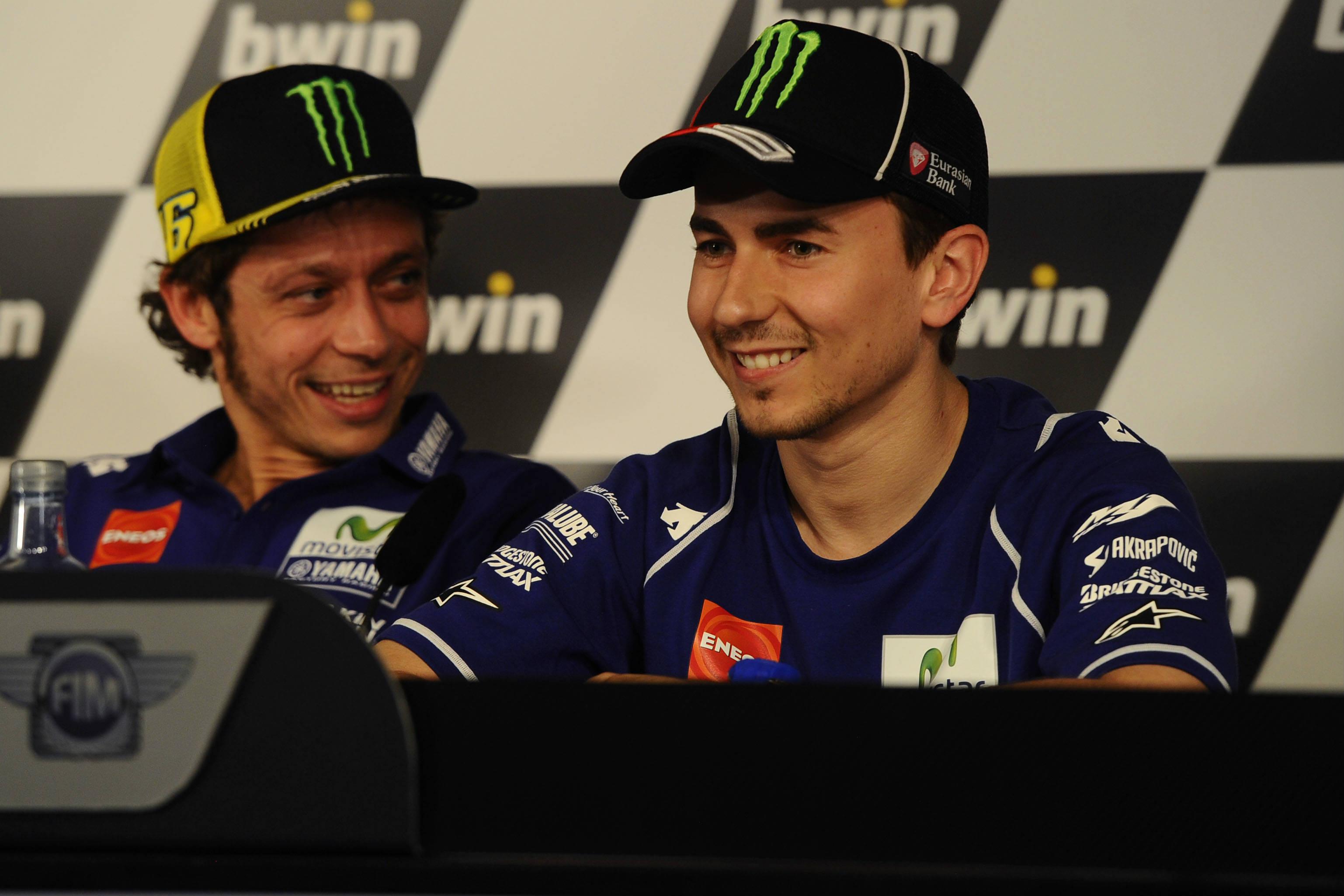 Lorenzo continuará en Yamaha la próxima temporada