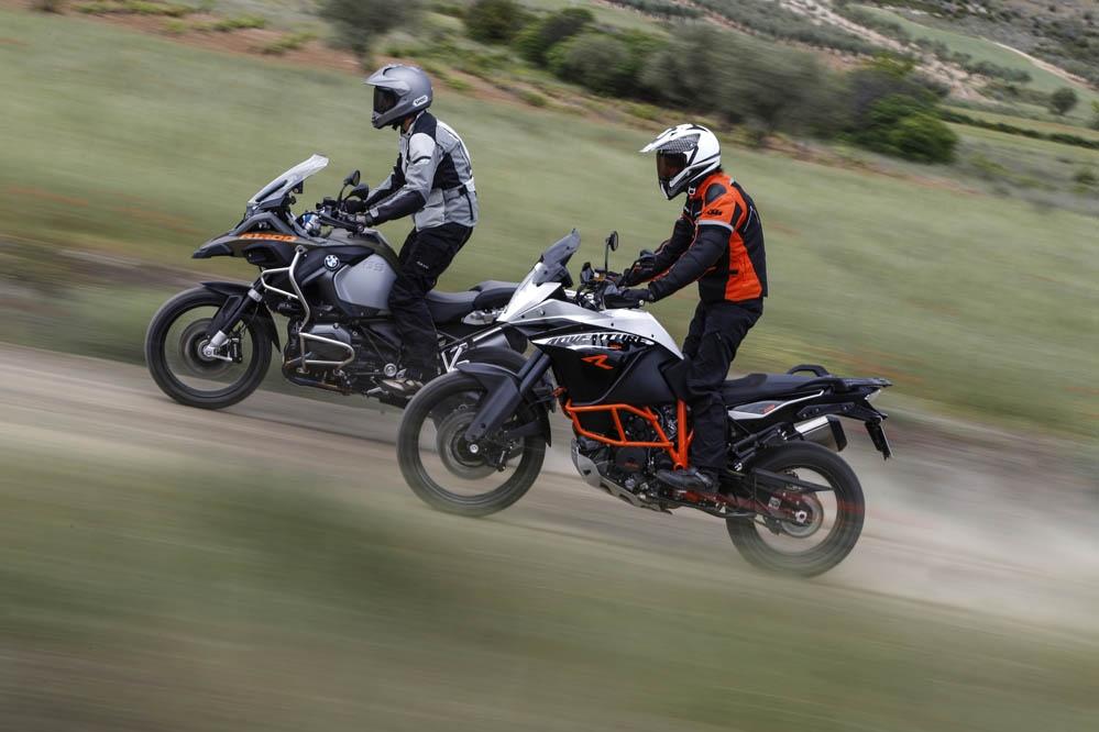 Vídeo comparativa: BMW R 1200 GS Adventure vs KTM 1190 Adventure R