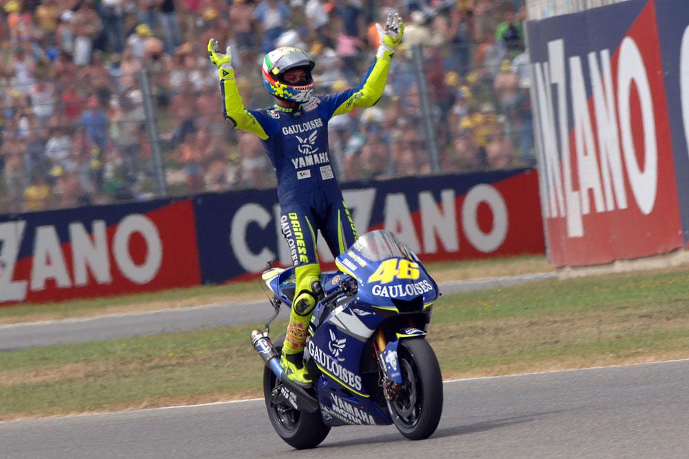 Rossi, Doohan y Lorenzo, el podio histórico en Mugello