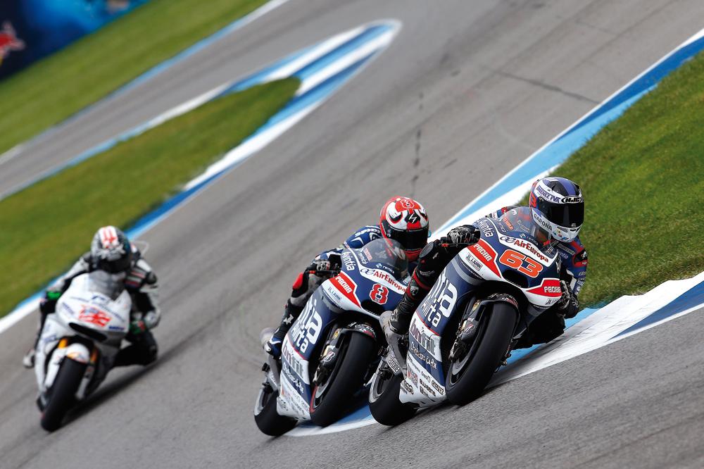 Ducati elige sus seis pilotos para el 2016