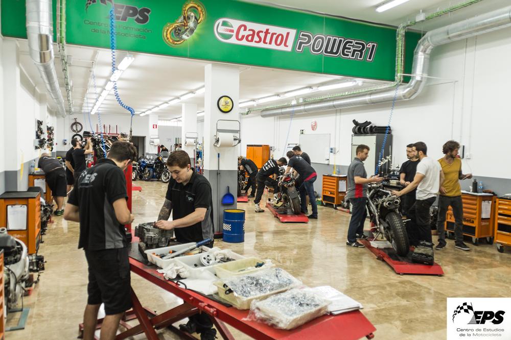 Beca Castrol en Mecánica y Electricidad de la Moto