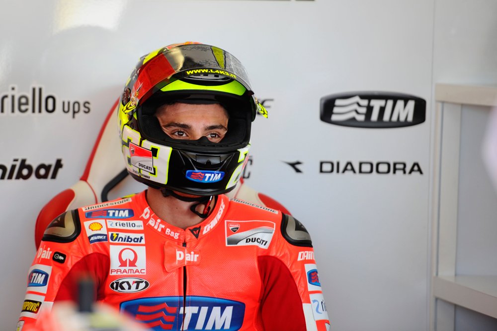 Andrea Iannone vuelve a lesionarse el hombro
