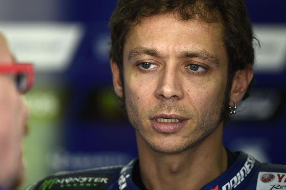 Valentino Rossi: Estoy preocupado con mi ritmo, soy medio segundo más lento que los tres de arriba