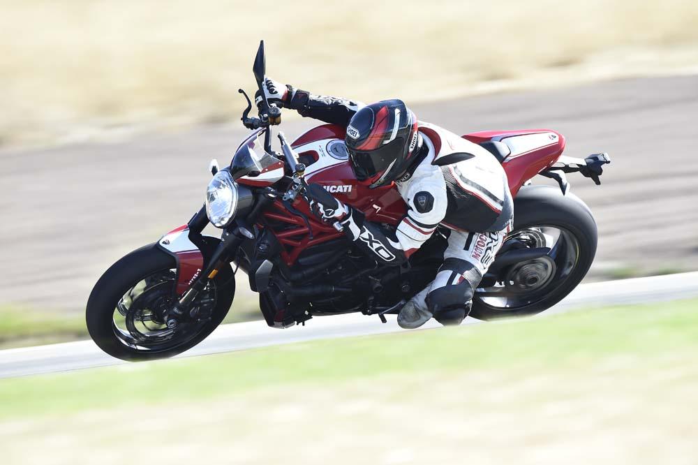 Prueba de la Ducati Monster 1200 R