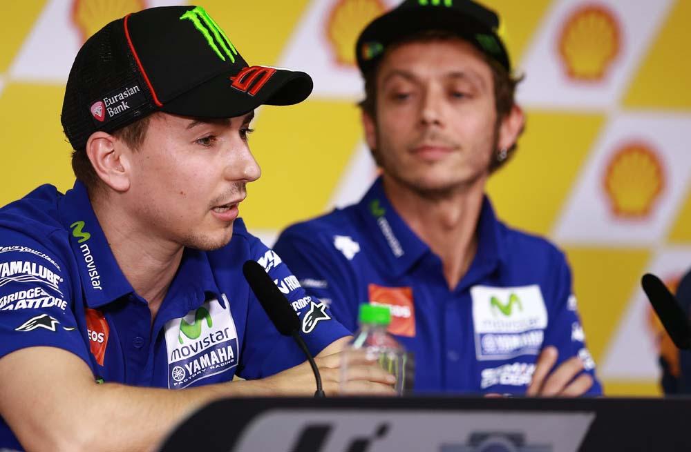 Jorge Lorenzo: Si Rossi tuviese suficiente velocidad no estaría preocupado por otras cosas