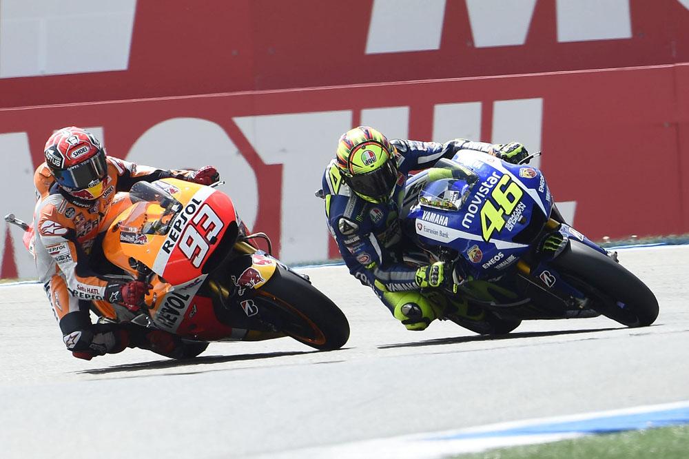 Rossi es sancionado y saldrá último en Valencia