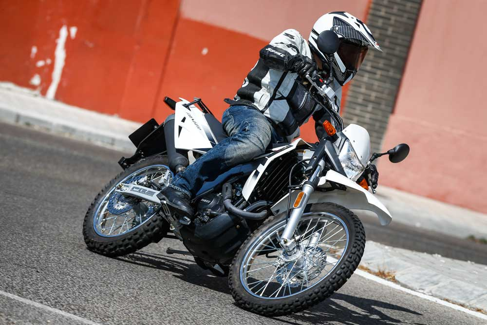 Prueba: Motor Hispania Ranger 125