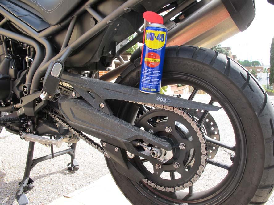 Limpieza de cadena de la moto