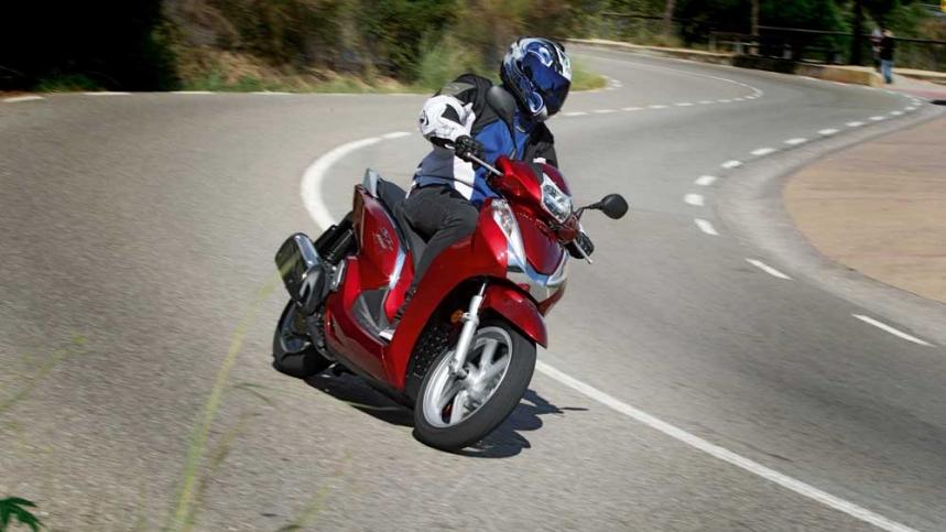 Honda, líder del mercado de motos 2015 en España