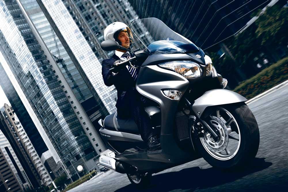 Ventajas de comprar y vender una moto en un Concesionario Oficial