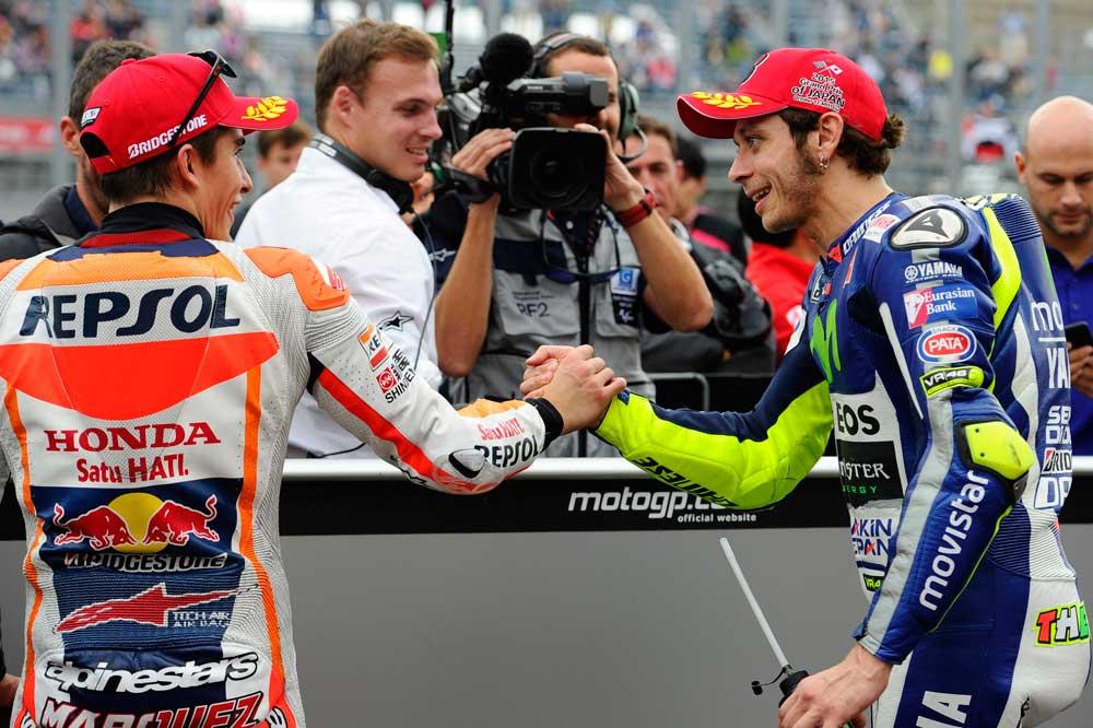 Marc Márquez y Valentino Rossi, a vueltas con el merchandising
