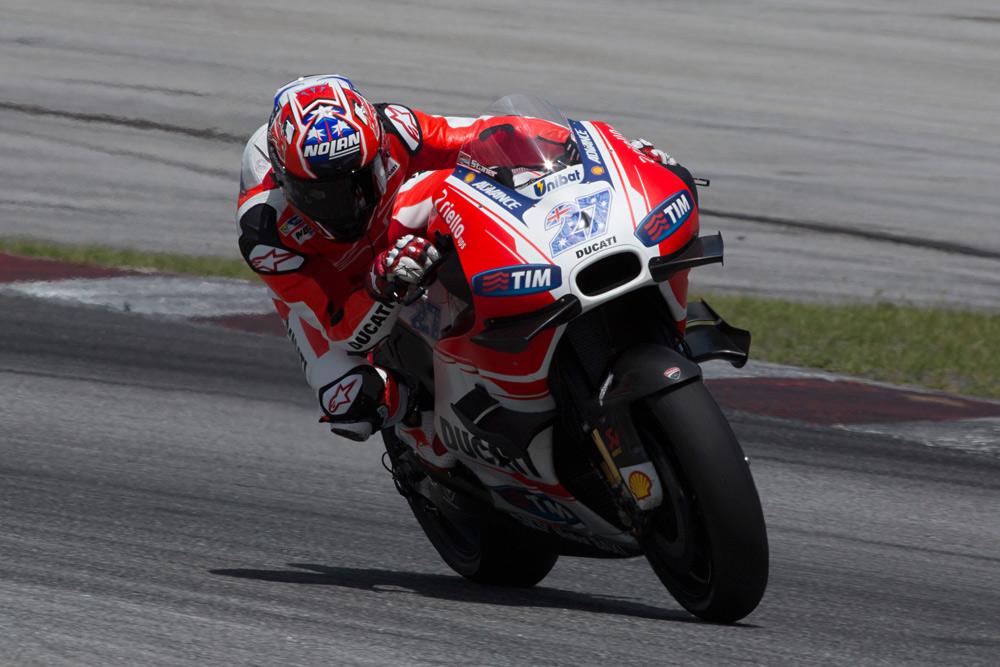Casey Stoner ya rueda con la Ducati de MotoGP